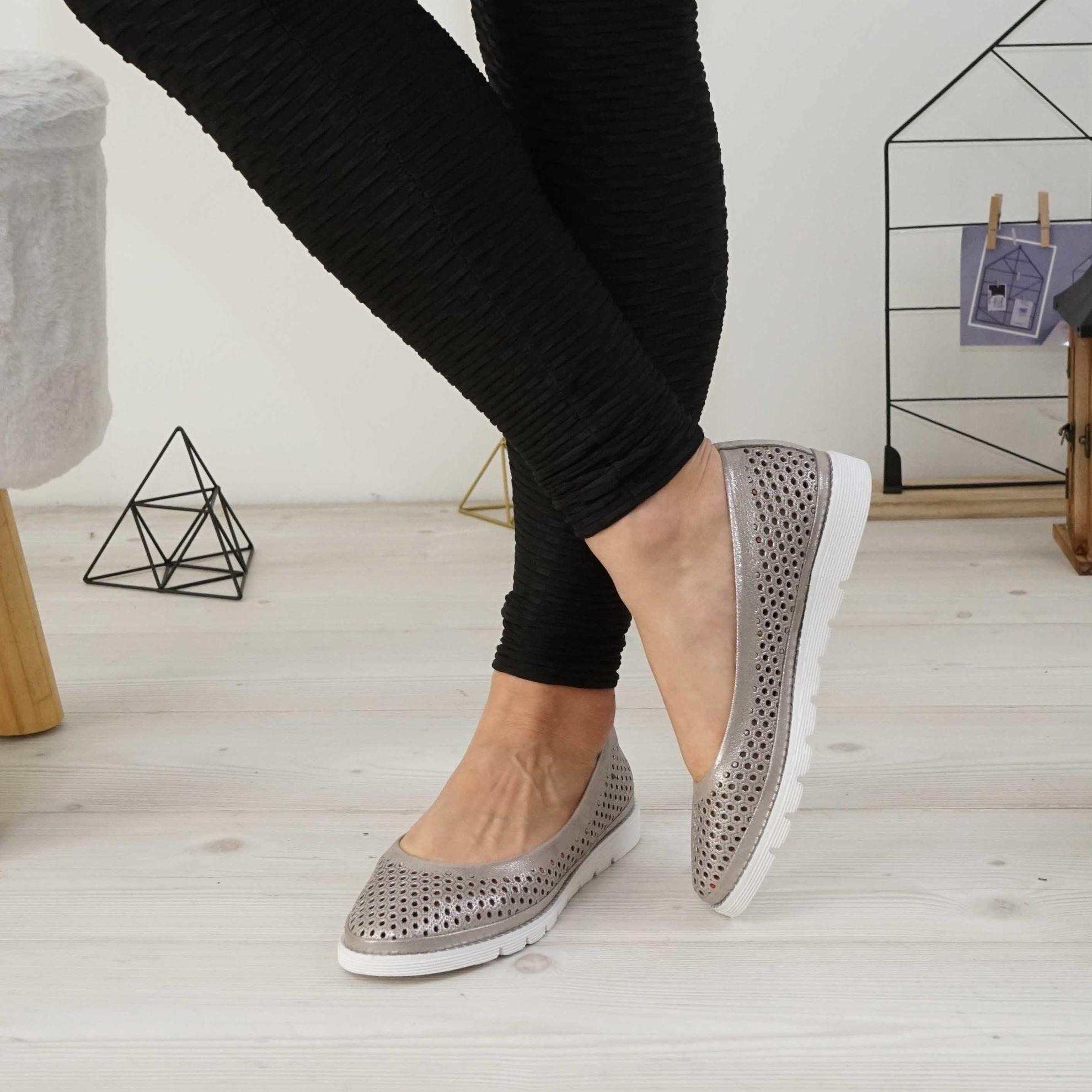 Imagine Pantofi damă din piele naturală perforat nude